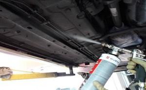 Lợi ích của việc sơn phủ gầm chống gỉ cho xe ô tô