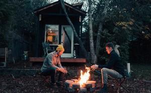 Tham quan ngôi nhà chưa tới 10m2 của một nhiếp ảnh gia Canada, với triết lý sống xanh và sạch