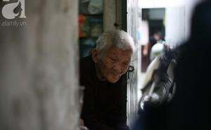 Xót cảnh cụ bà 84 tuổi, hàng ngày phải đẩy xe đi bán kẹo và tâm nguyện cuối cùng trước khi chết