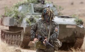 """Chơi trò nguy hiểm với Nga, NATO đang """"gậy ông đập lưng ông""""?"""