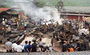 Cháy lớn thiêu rụi 6 ngôi nhà và kho hàng tại Lai Châu