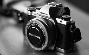 """Tại sao smartphone hiện nay có số """"chấm"""" cao hơn cả máy ảnh chuyên nhưng giá lại rẻ hơn?"""