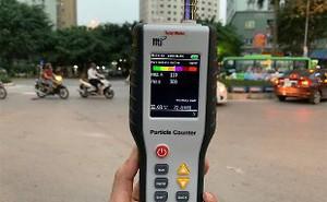 """Một ngày lang thang đếm bụi ở Hà Nội: Cảnh báo """"màu cam"""" phủ khắp thành phố"""