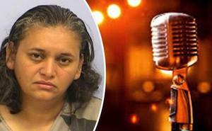 Tranh nhau hát karaoke, bà cô nổi giận đùng đùng rút súng dọa bắn vì mất lượt