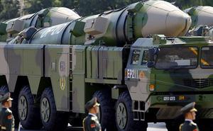 """Phóng """"sát thủ diệt tàu sân bay"""" DF-21D trên Biển Đông, Trung Quốc cảnh báo Mỹ điều gì?"""
