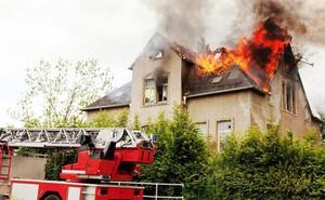 Cảnh báo: Cẩn thận với 8 'nguồn lửa tiềm ẩn' luôn rình rập, có nguy cơ cháy nổ bất cứ lúc nào trong nhà bạn
