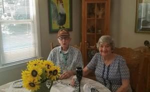 Cùng nhau tạ thế sau 71 năm kết hôn