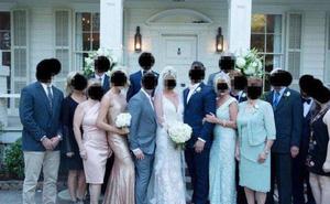Mẹ chồng kém duyên lên đồ và làm tóc hệt cô dâu trong hôn lễ con trai, ai nhìn vào cũng tưởng nam chính cưới một lúc 2 vợ