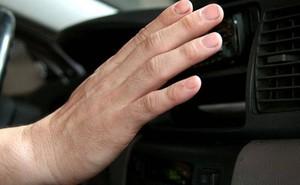 Sai lầm của tài xế khiến lốc điều hòa ô tô nhanh hỏng