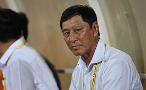 HLV V.League từ chức hai lần liên tiếp vì không chấp nhận 'ngồi chơi nhận lương'