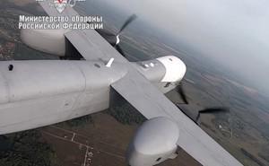 Chiêm ngưỡng UAV hạng nặng Nga mang được 1 tấn bom lần đầu cất cánh
