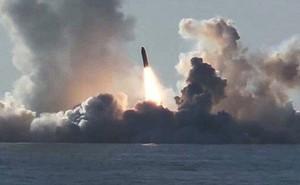 Đáp trả Mỹ, Nga phóng liên tiếp 2 tên lửa đạn đạo từ tàu ngầm