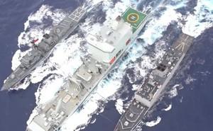 Việc tiếp dầu cho tàu chiến trên biển diễn ra như thế nào?