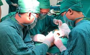 Bình Định: Nối thành công bàn tay bị chém đứt lìa