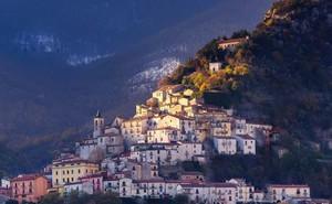 Những ngôi làng hẻo lánh ở Italy thưởng tiền, mời người đến ở