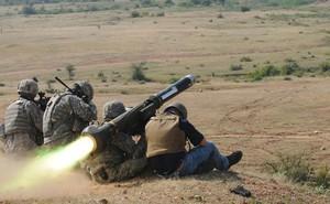 Vừa tuyên bố đấu tranh để giành lại Crimea, Ukraine lại tính mua tên lửa Mỹ