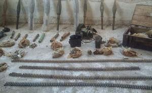 Syria: Bên trong kho vũ khí đáng sợ phiến quân bỏ lại ở Hama để chạy thoát thân