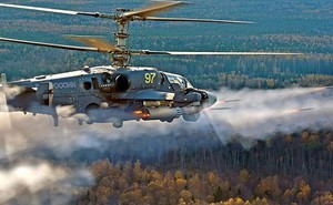 """Xem """"xe tăng bay"""" Ka-52 Alligator của Không quân Nga tấn công hủy diệt mục tiêu trên mặt đất"""