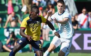Argentina đại thắng Ecuador 6-1 trong ngày vắng Messi, Aguero