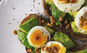 Gan của bạn đến lúc cần thải độc rồi, ghi nhớ 7 loại thực phẩm detox gan hiệu quả cho bữa ăn