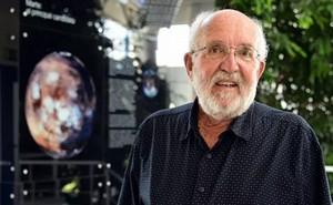 Chủ nhân giải Nobel: Thật 'điên rồ' khi nghĩ có thể di dân tới sống ở hành tinh khác