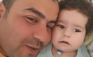 Người bố nhẫn tâm lấy gần 3,5 tỷ tiền ủng hộ chữa bệnh cho con để ăn chơi trác táng, bỏ mặc con trai qua đời thương tâm