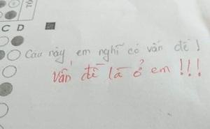 """Thấy bài kiểm tra có vấn đề, nam sinh """"bật"""" lại ai ngờ bị thầy giáo phản dame, đành ngậm ngùi ôm mặt"""