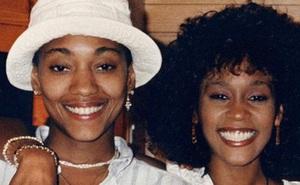 Chấn động: Gia đình và người tình của Whitney Houston xác nhận nữ danh ca là người đồng tính