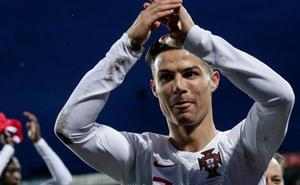 Ronaldo ghi bàn thắng dễ bậc nhất trong sự nghiệp, Bồ Đào Nha chính thức có vé đến thẳng Euro 2020