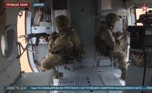 """Vũ khí """"khủng"""" nhất của binh lính Nga tuần tra Syria chỉ là súng AK?"""