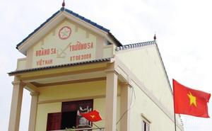 """Ông chủ nóc nhà có dòng chữ """"Hoàng Sa, Trường Sa – Việt Nam"""" ở Nghệ An là ai?"""