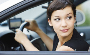 Cách lên xe và xuống xe ô tô an toàn không đơn giản như thường nghĩ