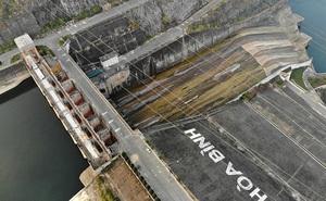 Hồ chứa cạn nhất 30 năm qua, Thủy điện Hòa Bình thấp thỏm chờ nước
