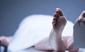 Nhân viên pháp y bị đuổi việc vì quan hệ với tử thi trong phòng khám nghiệm sau khi nhậu say