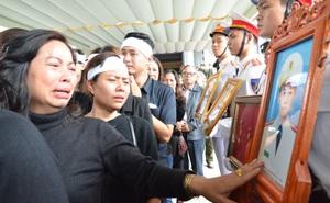 Nghẹn ngào tiễn đưa 3 liệt sĩ hy sinh tại Đồng Tâm