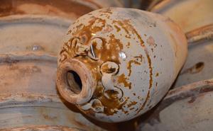 Cận cảnh một số cổ vật còn nguyên vẹn trong tàu đắm Bình Châu