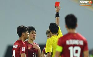 """Báo Thái hả hê sau tấm thẻ đỏ của Đình Trọng: """"Thần đồng của chúng ta đã có thể trút được gánh nặng"""""""