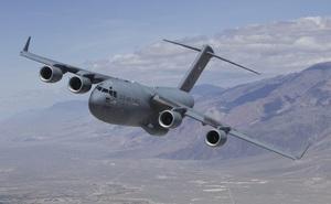 """""""Gã khổng lồ"""" C-17 vừa chở cả ngàn binh sĩ Mỹ tới Trung Đông"""