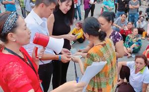 Thủy Tiên, Công Vinh cầm 1 tỷ tiền mặt cứu giúp công nhân bị nợ lương Tết, ai cũng xúc động