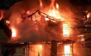 Cháu bé 4 tuổi chết oan trong biển lửa cùng tên hàng xóm điên rồ