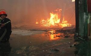 """Xưởng gỗ ở Cà Mau bị """"bà hỏa"""" ghé thăm đêm mùng 4 Tết"""