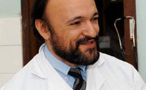 Nhớ Carlo Urbani - vị bác sĩ anh hùng đầu tiên nhận diện nhưng đã hy sinh vì đại dịch SARS