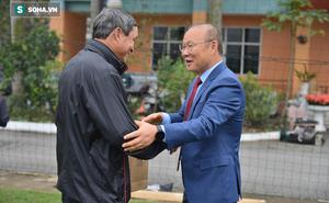 """Hết tặng quà HLV Mai Đức Chung, thầy Park lại gửi """"viện trợ"""" cho đội tuyển nữ Việt Nam"""