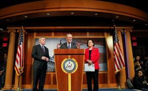 """2 thành viên đảng Cộng hòa """"ngược dòng"""", ông Trump vẫn đủ phiếu để có thể được tha bổng"""