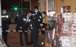 Cảnh sát Hồng Kông truy lùng nhóm có vũ trang cướp hàng trăm cuộn giấy vệ sinh giữa cơn khan hàng do COVID-19