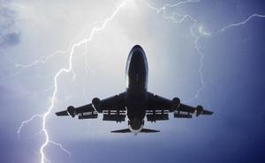 1001 thắc mắc: Vì sao máy bay không 'sợ' sét?