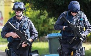 """Những vũ khí """"không tưởng"""" của Cảnh sát các nước"""