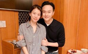 Mấy ai được như cặp Viên Vịnh Nghi - Trương Trí Lâm: 19 năm bên nhau nàng vẫn đỏ mặt, tim đập mạnh khi chụp ảnh với chàng