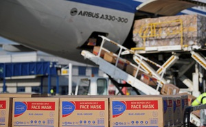 """Nỗ lực viện trợ nhưng chiến lược """"ngoại giao khẩu trang"""" của TQ khiến các nước nghi ngại"""
