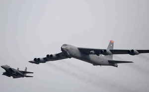 Mỹ điều máy bay ném bom hạng nặng và hàng trăm binh sỹ tới Guam